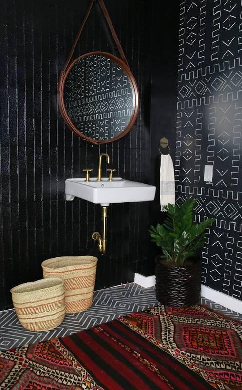 Domino. Organic Wallpaper. Bathroom.