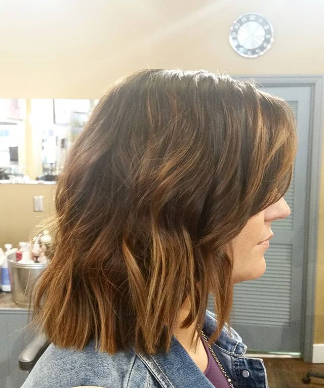 Sensing a trend? Wavy Bob's are here to stay. #goldwellapprovedus #goldwellus #bobhaircut #lob #bob