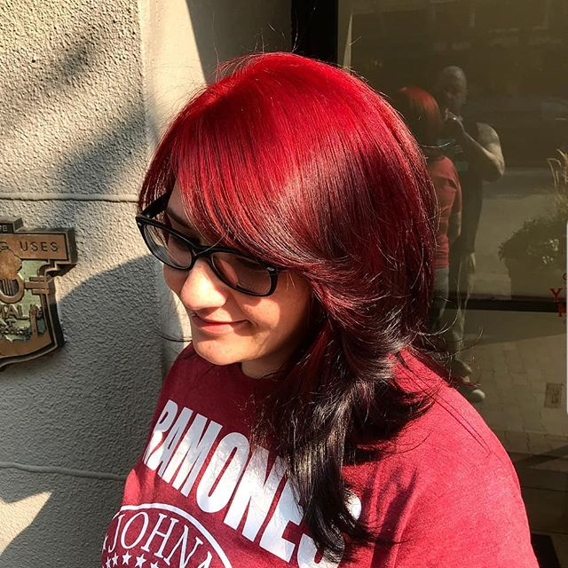 👹Red Devil👹 A stunningly smooth color melt by @sweatofkings  For all your fashion color needs, from vibrants to pastels.  #fashionshades #redhair #colormelt #socolorcult #boisehairstylist #behindthechair  #blowout