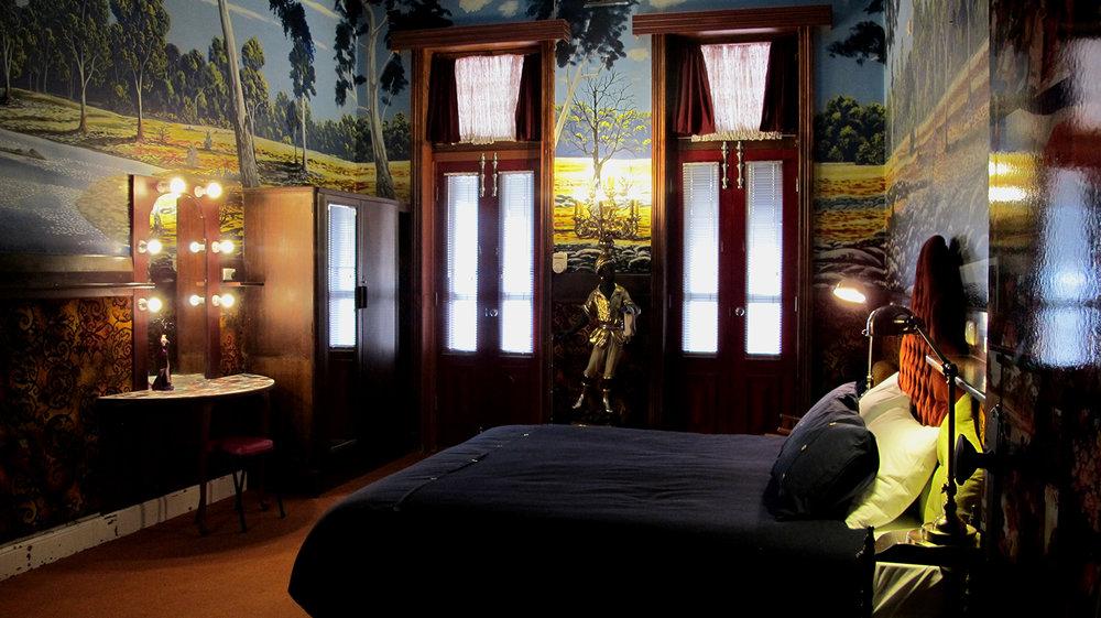 palace-hotel-priscilla-suite-mainbed5.jpg