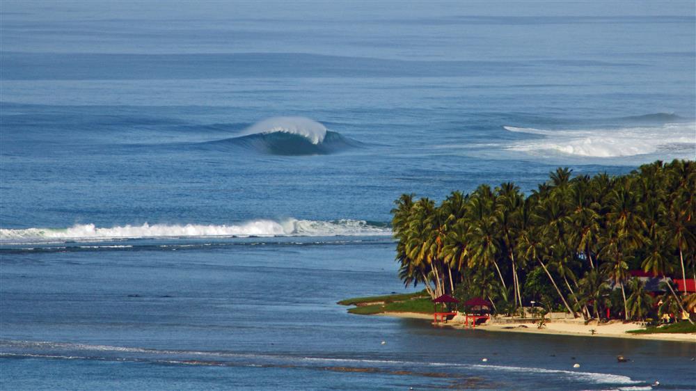 KabuNohi_Surf_Sobatu_Nias@Mark Flint (2).jpg