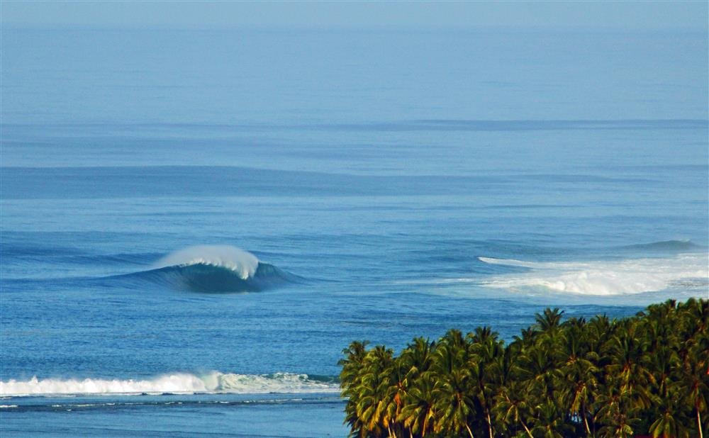 KabuNohi_Surf_Sobatu_Nias@Mark Flint (4).jpg