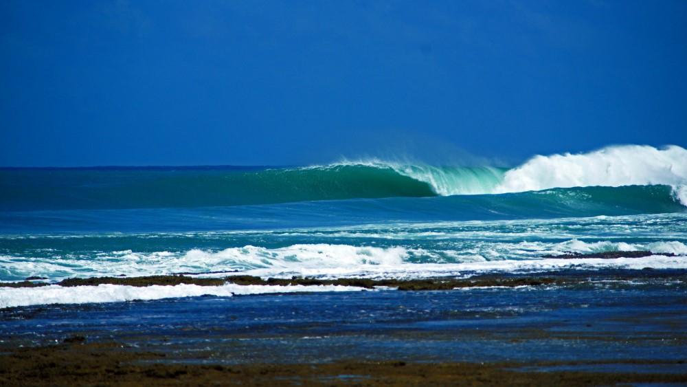 KabuNohi_Surf_Sobatu_Nias@Mark Flint (7).jpg