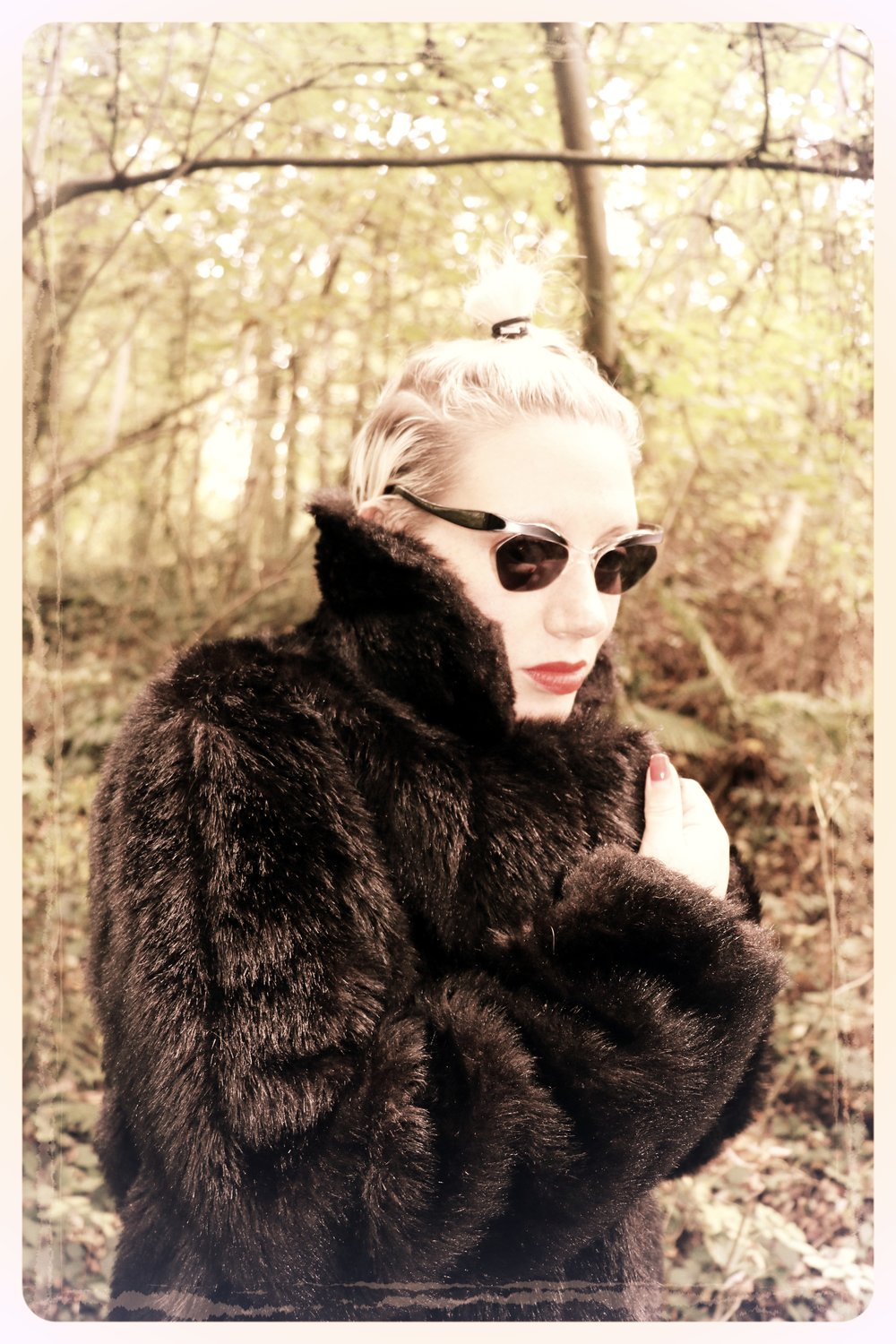 Peep Eyewear, Vintage Sunglasses, Worn with fur coat, Iris, 1950s, Autumn Winter Collection
