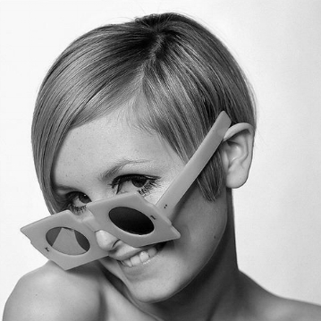 Twiggy and her frames