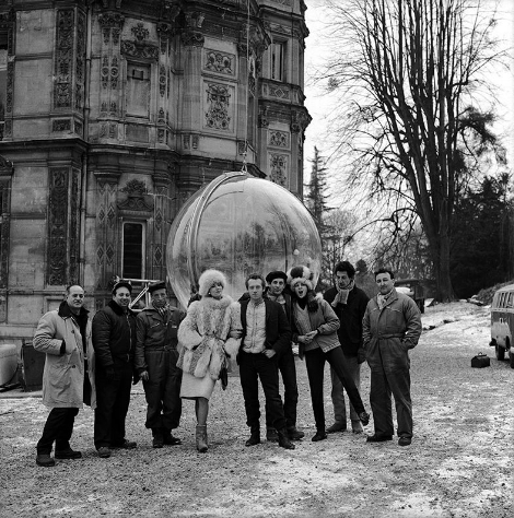 Melvin Sokolsky and his bubble crew