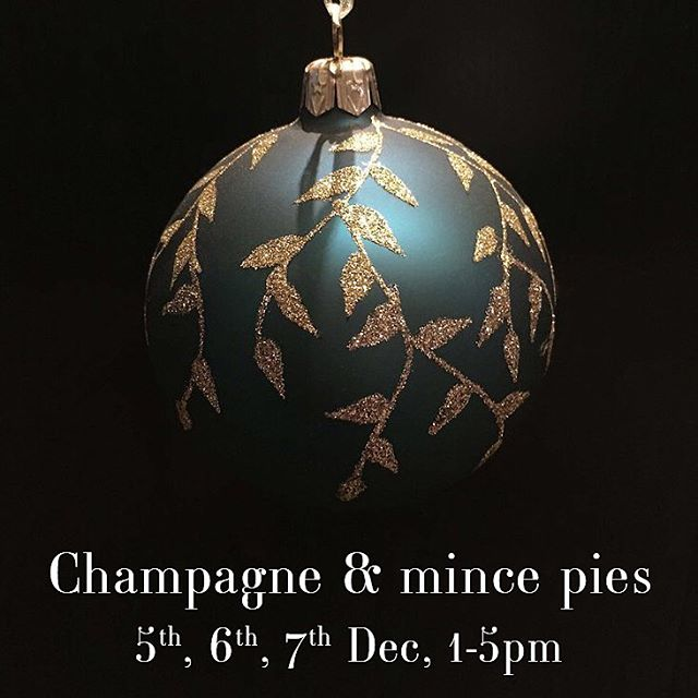 This week we'd like to invite you to pop by for some champagne, mince pies and Christmas shopping - swipe to view a selection of the special items we have on offer! Come in, say hi and help us close out our 30th year in business in style! . #celebration #christmas #specialoffer #christmassale #interiors #leamingtonspa #warwick #cotswolds #warwickshire #sale #anniversary #business #interiordesign #lamp #cushions #umbrella #matthewwilliamson #deal #design #homedecor #decor #champagne #festive #sarahahluwalia #saaldesign #30 #christmasshopping #warwickshireinteriors #giftideas