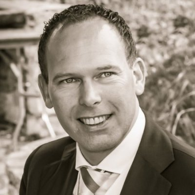 Arjan Kleinveld is the Managing Director of ONE. His refreshing and entirely positive and creative attitude plus his business values, practices and personal beliefs are motivating and inspirational, qualities which continue to earn him respect and loyalty as they have done throughout his career.