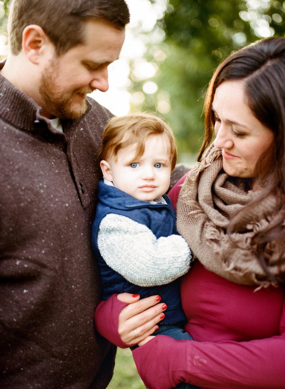 lifestyle-family-photographer-film-historic-oak-view-county-park