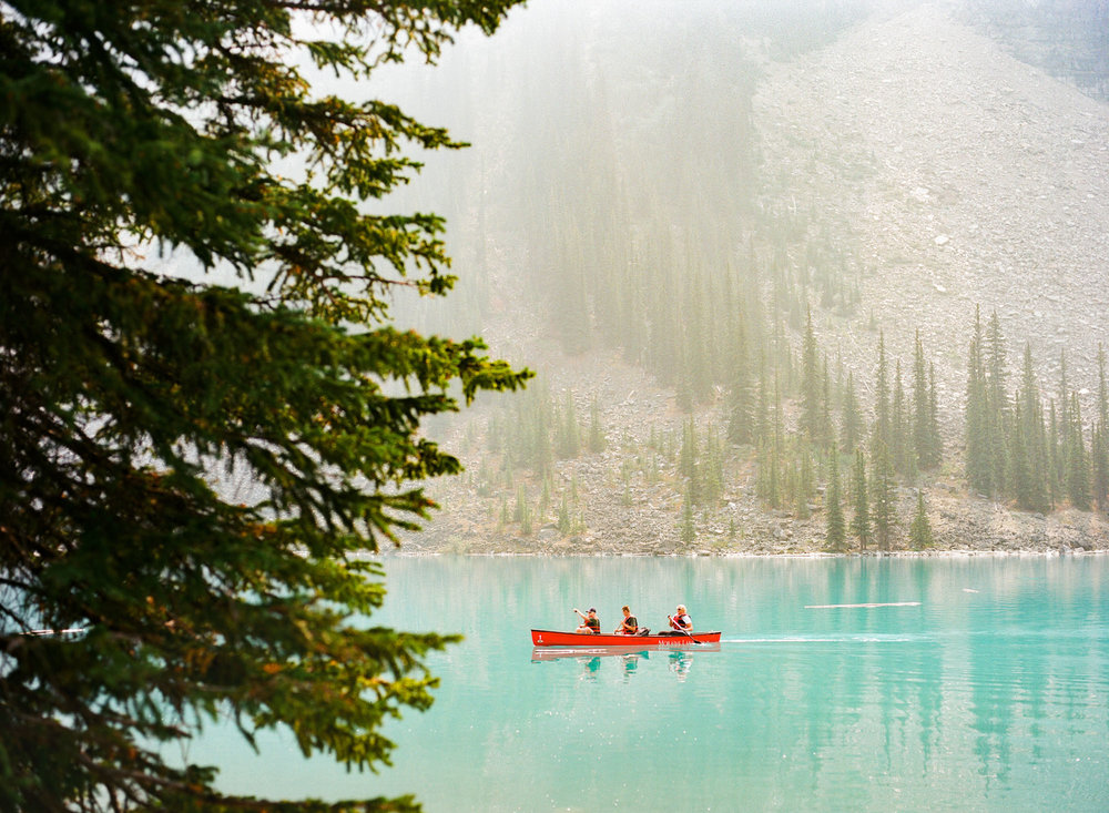 banff-canada-film-photography-travel-images-lake-morraine