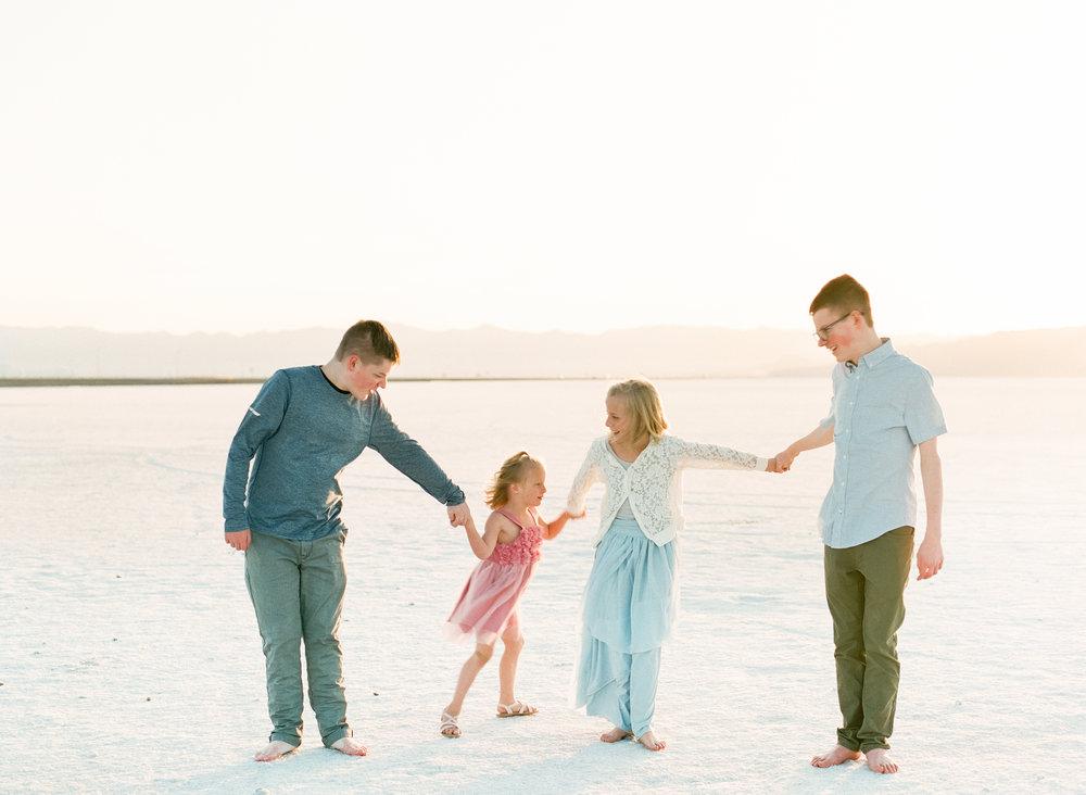 travel-family-film-photographer-salt-flats-utah-002