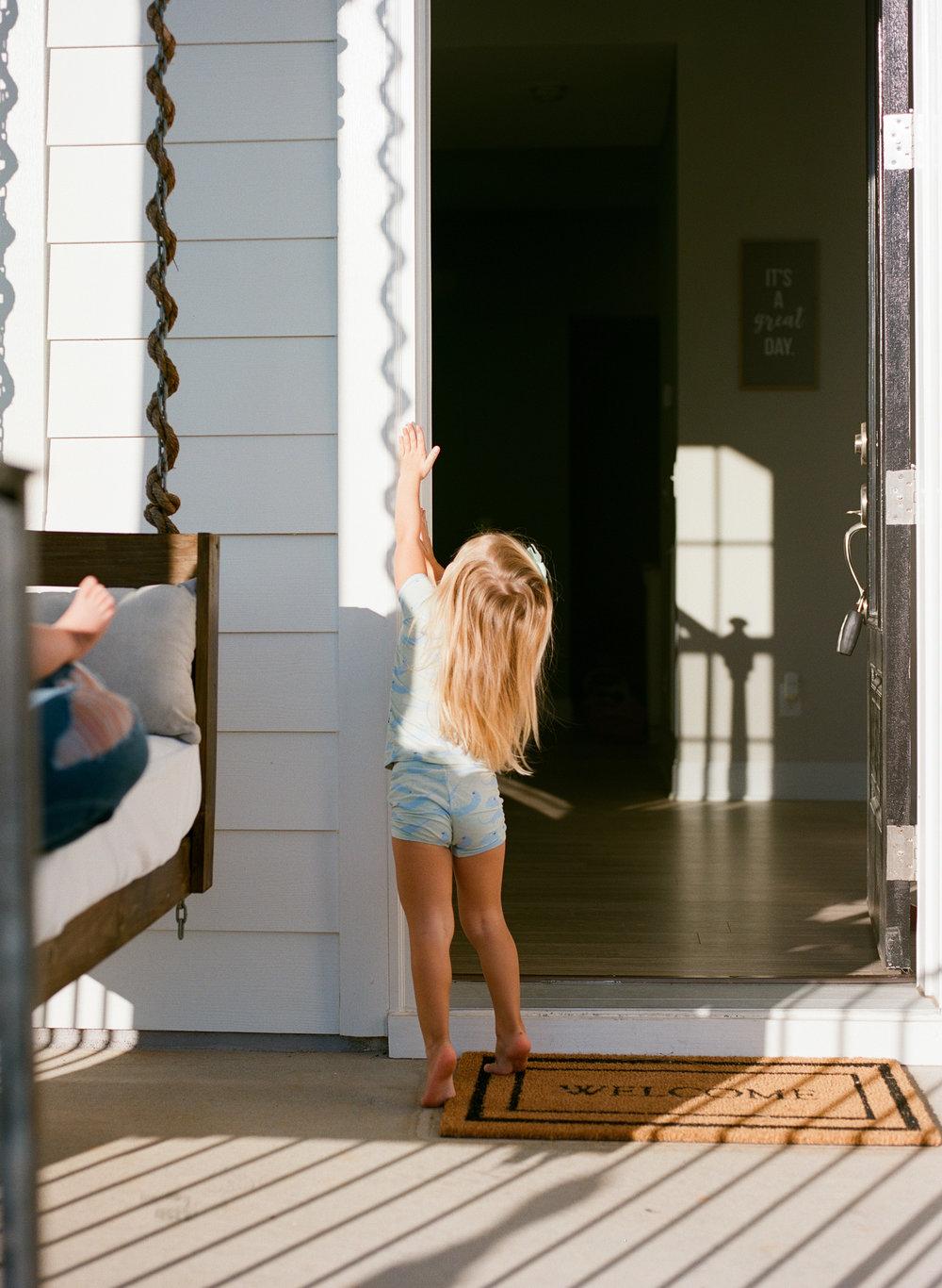 raleigh-motherhood-lifestyle-family-photography-002