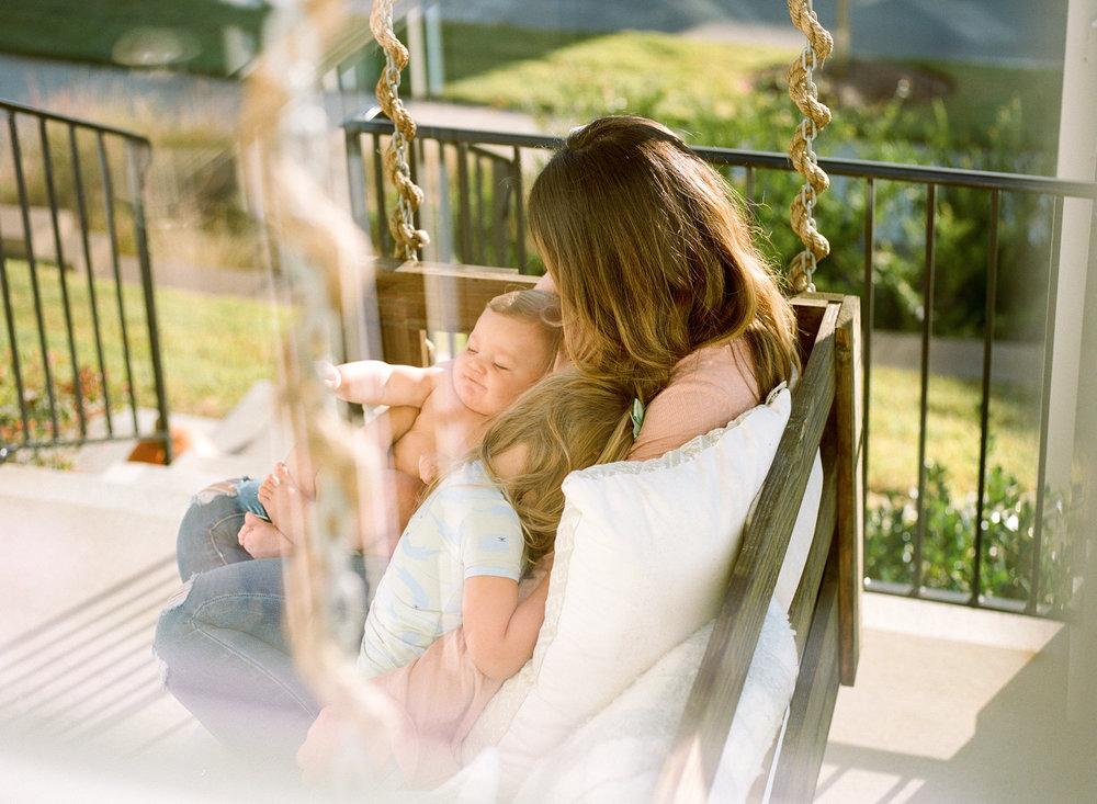 raleigh-motherhood-lifestyle-family-photography-001