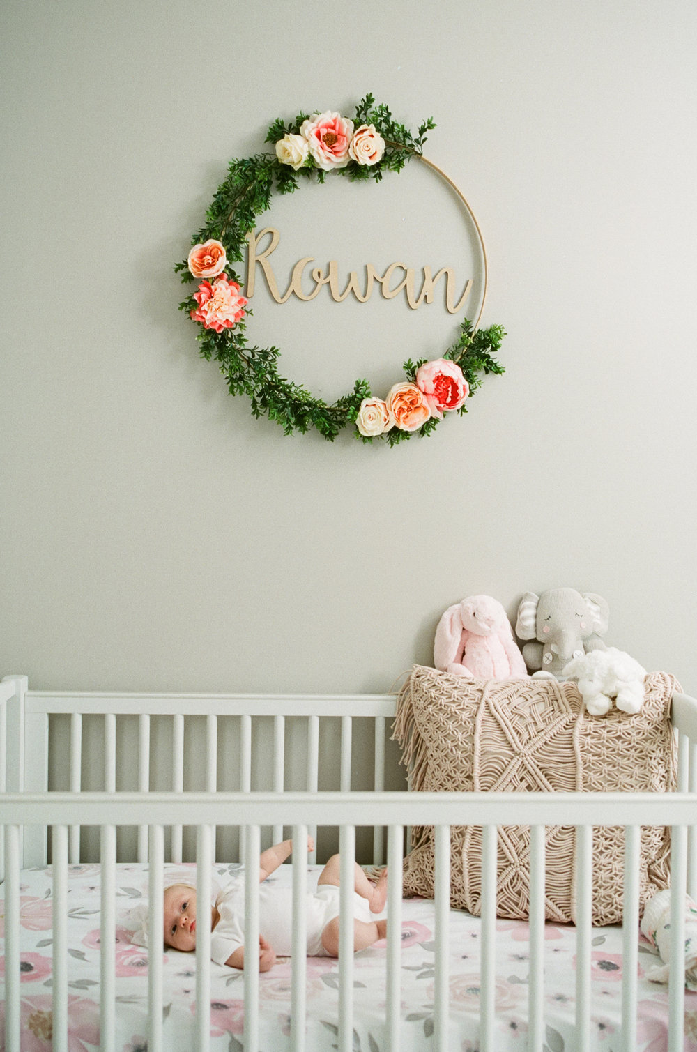 raleigh-lifestyle-newborn-photographer-six-weeks-old-nursery