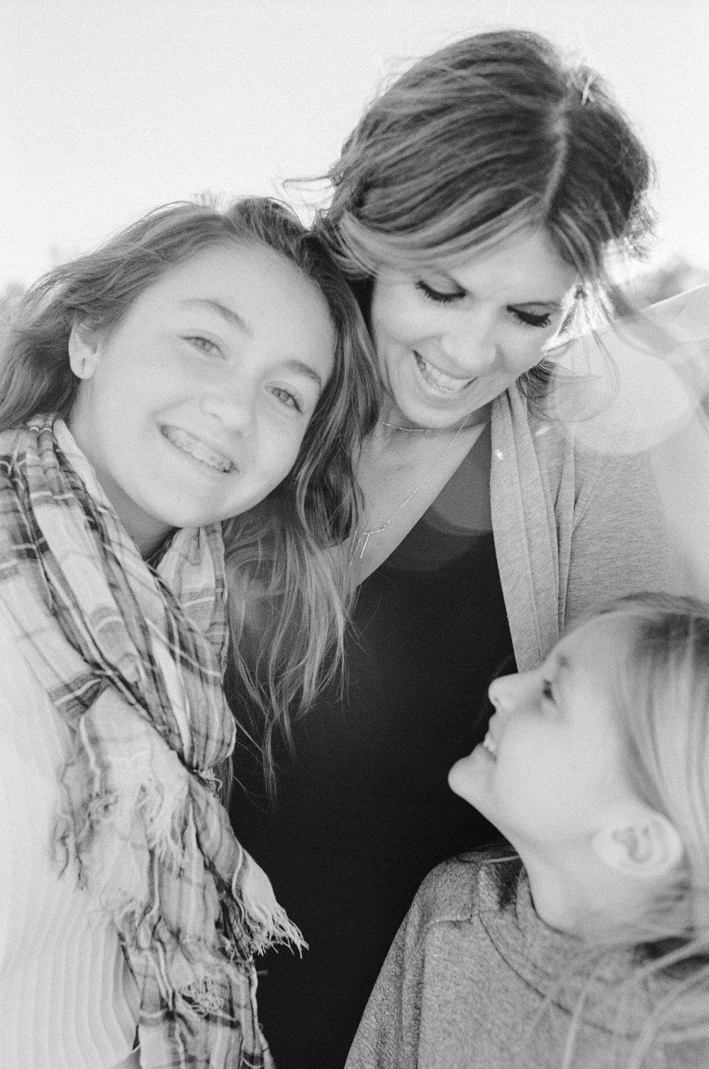 raleigh-lifestyle--baby-newborn-family-film-photographer-black-white