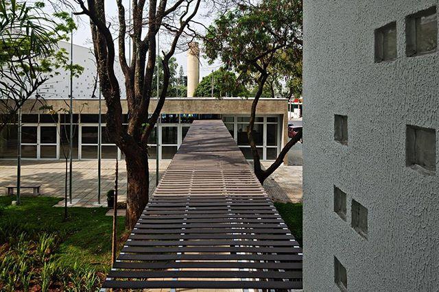 Centro de Formação da Secretaria de Educação SCS Projeto muito especial #carolinapennaarquitetos