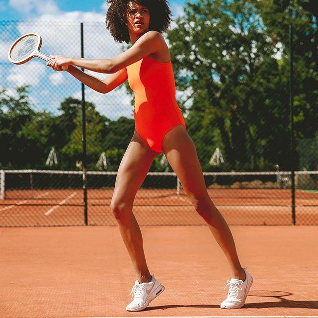 06:00 pm We play our tennis in a CARDO Paris. Would you?⠀ Un-retouched photo ⠀⠀ ⠀⠀⠀⠀⠀⠀⠀⠀⠀⠀ Photo @mariepaola_bh⠀⠀⠀ Mannequin @aureliagrac ⠀⠀⠀ MUA @graphic.beauty⠀⠀⠀ ⠀⠀⠀⠀⠀⠀⠀⠀⠀⠀ #cardoparis #thecardowoman #cardodive #frenchdesign #premiumswimwear #sportchic #tennis #swimsuit #motivation