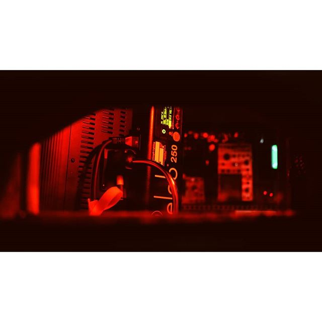This light is a workhorse. Probably one my favorites. #kinoflo #celeb250 . . . . . . #moody #red #lights #cinematography #tools #photooftheday #gaff