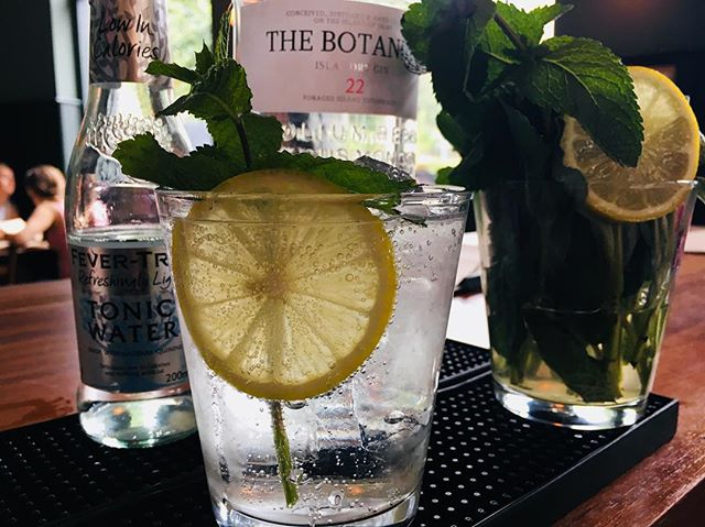 Our gin and tonics have been flying out all day and into the night too! @thebotanistgin Islay Dry Gin and @fevertreemixers tonic are a match made in heaven for summer days like today when you're not feeling so summery.  #gin #ginandtonic #gandt #fevertreetonic #thebotanistgin #scottishgin #gindistillery #london #londoncocktails #londonpub #craftbeer #beer #craftbeer #beerporn #cerveza #birra #biere #bier #pivo #piwo #öl #øl #beergeek #craftnotcrap #nocrapontap #beerphotography #london #hackney #clapton #ginphotography #sundaydrinks #sundaydrinking