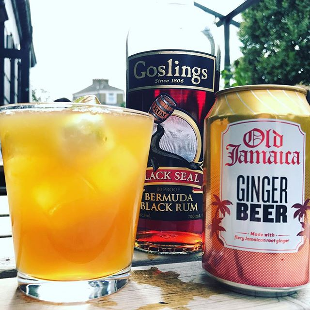 Happy #nationalrumday (for yesterday!) Come and celebrate with a cheeky Dark 'n ' Stormy! It's the weekend after all!  #happynationalrumday #rum #darkrum #darknstormy #bermuda #gingerbeer #fiery #sunshinedrinks #weekend #london #clapton #hackney #beergarden #sunshine #artisan #cocktail #longdrink #goslings
