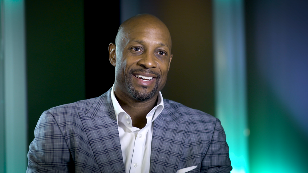 Hall of Famer Alonzo Mourning sharing his thoughts on newcomer to the Hall Tracy McGrady