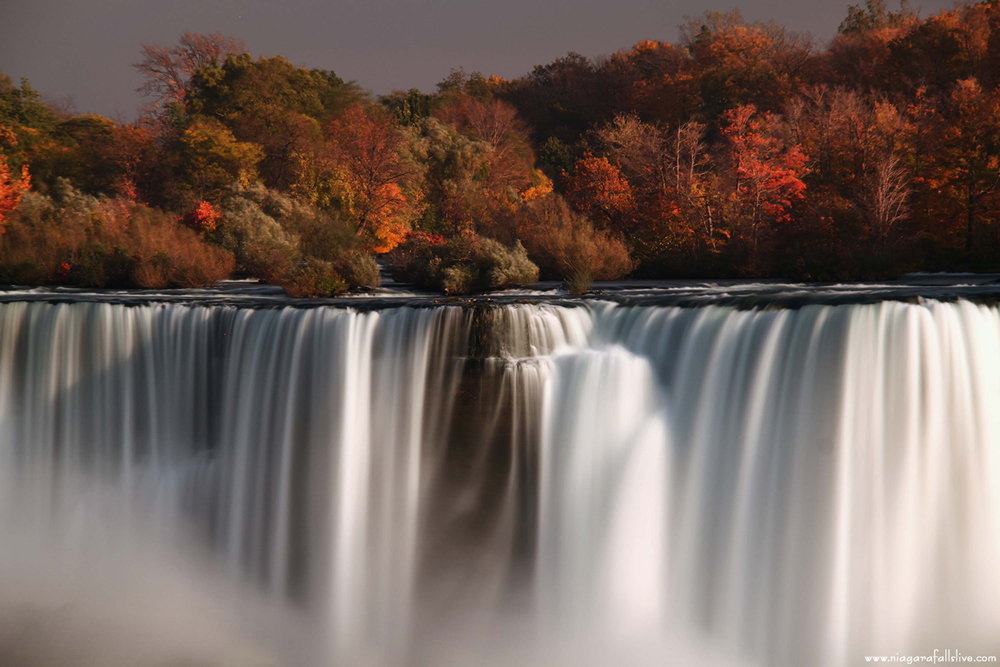 fall-at-the-falls-1.jpg