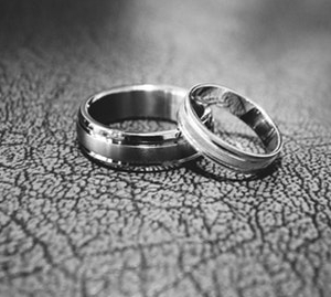 wedding rings pexels-photo.jpg