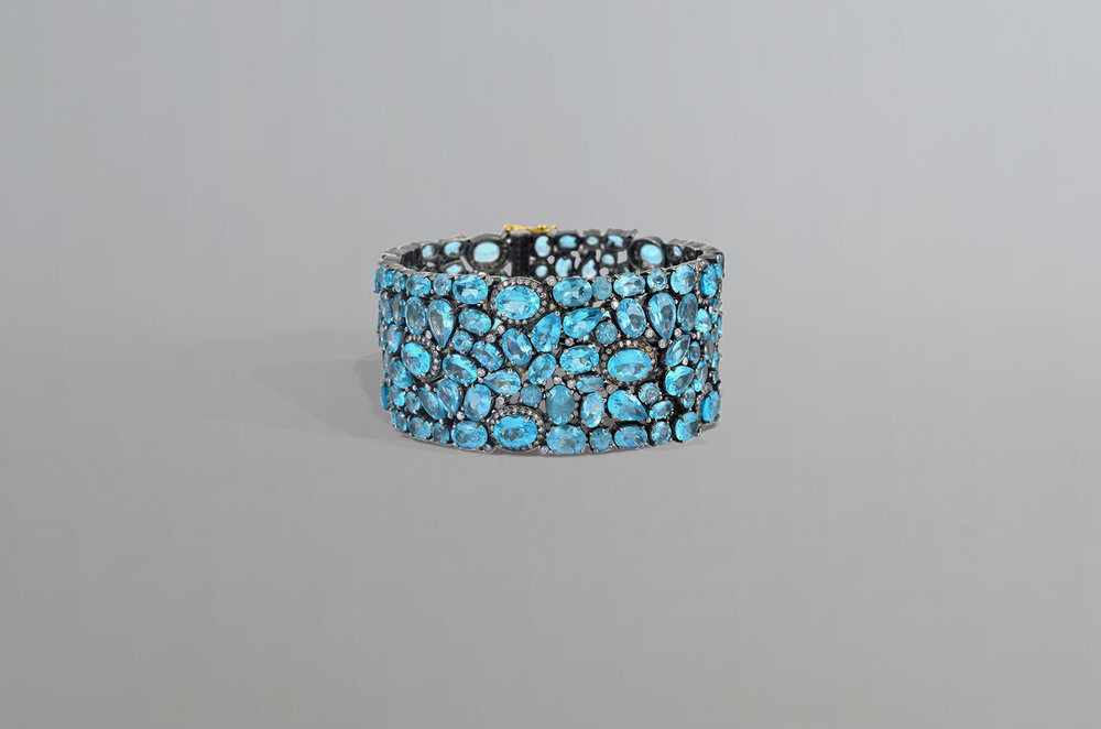 95.10 Carat Apatite with 2.95 Carat Diamond Bracelet set in Sterling Silver