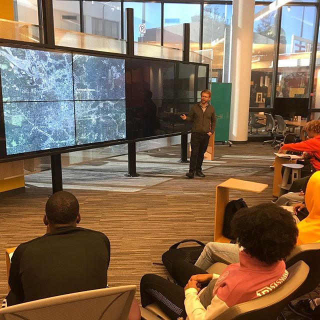 Starting our Buttermilk Bottom fieldwork expedition from GSU's CURVE, led by GIS Librarian Joe Hurley. Thanks, Joe! @gsu_library