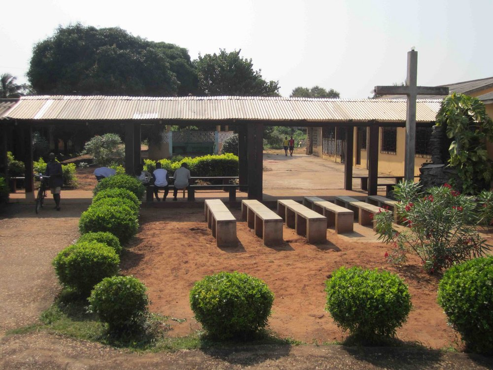 BVC Togo 2010 dispensery.jpg