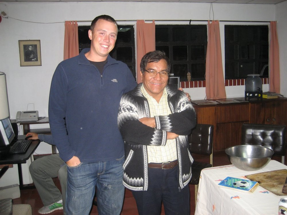 BVC Coban 2009 Pat Deering with monk (2).JPG