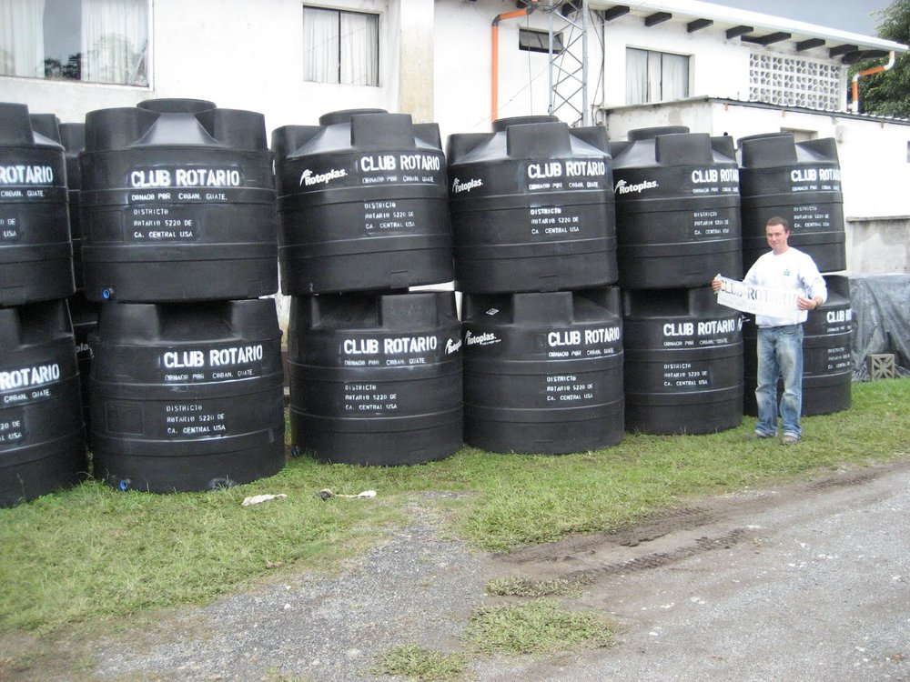 BVC Coban 2009 Pat Deering with watertanks.JPG