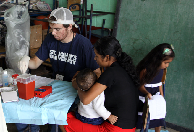 BVC Esquipulas 2009 Adam Sheldon medical mission.jpg