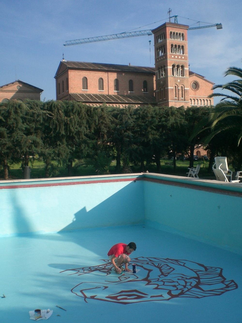 BVC Rome 2008 Brady King painting pool.jpg