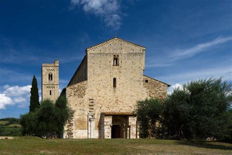 abadia san antonio abad.jpg