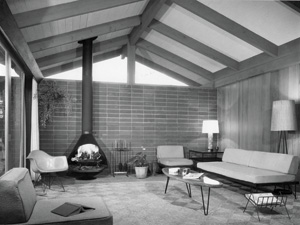 The living room in its original 1950s incarnation. PHOTO: COURTESY OF FRANK HAINES