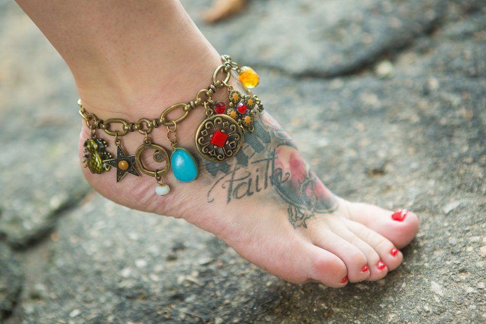 4 - In the Hindu religion, it is considered wrong or sinful to wear gold on the foot.