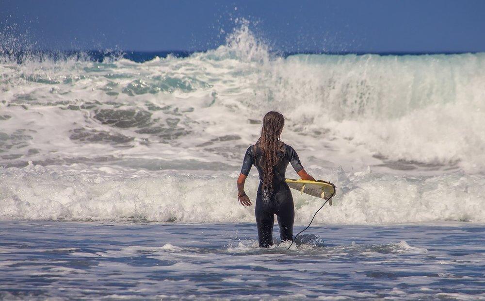surfer-3729052_1280.jpg