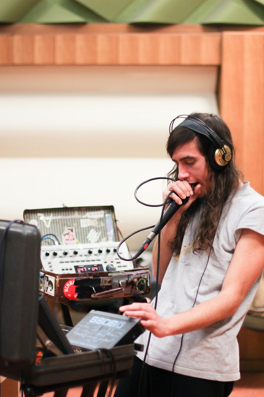 dracula-lews-babylon-radio-2-live-rfm-3.jpg