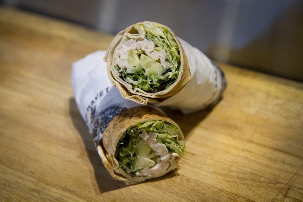 Wraps - Her har vi ulike varianter som vi fyller de ferske wrapsene med. Skagen salat, røkt laksekrem eller røkt laks og eggerøre.79 kr/stk