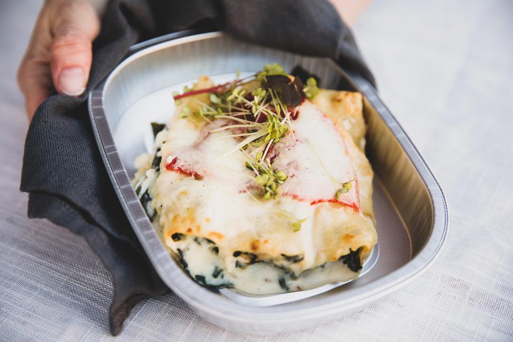 Canneloni - Fylt med fisk, spinat, løk og ristet paprika som gratineres med en kremete ostesaus.109 kr/per pers