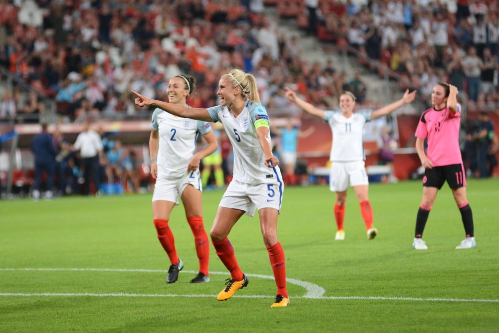 Steph Houghton - This Fan Girl