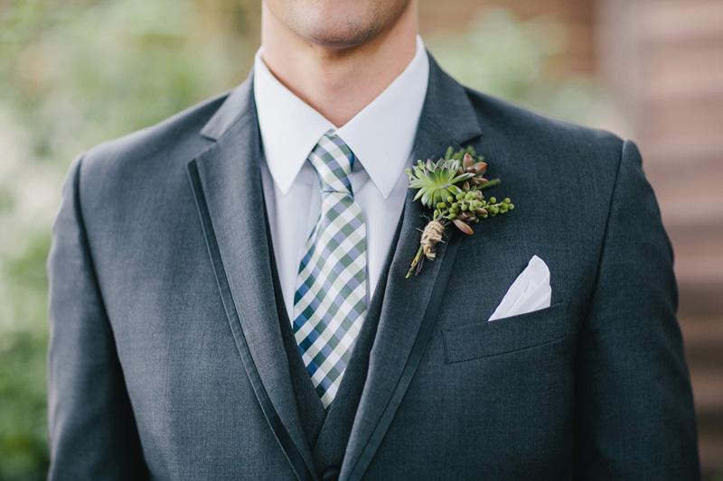lushfloraldesignpdx.com | Lush Floral Design Portland Oregon Wedding Florist | Columbia Edgewater Golf Club Weddings | Sarah Gillihan Photography