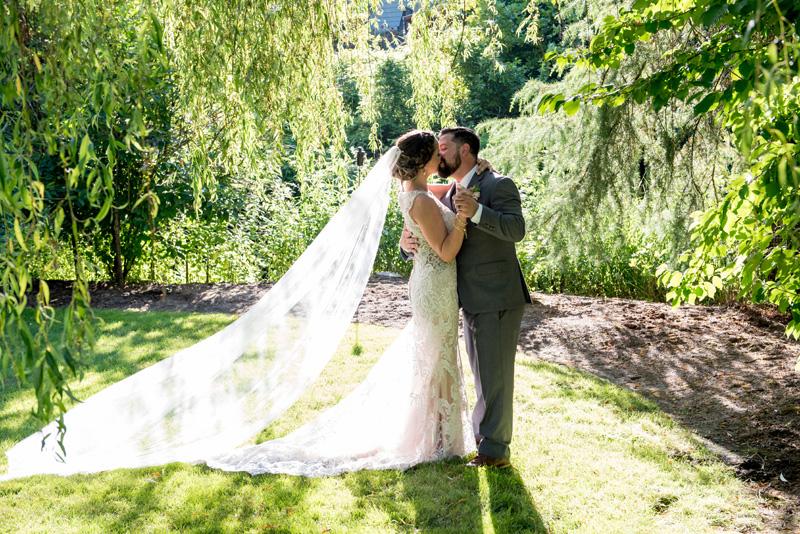lushfloraldesignpdx.com | Lush Floral Design in Portland Oregon | Abernethy Center | Abigail's Garden Weddings | Powers Studios Photography | Wedding Florist _ (13).jpg