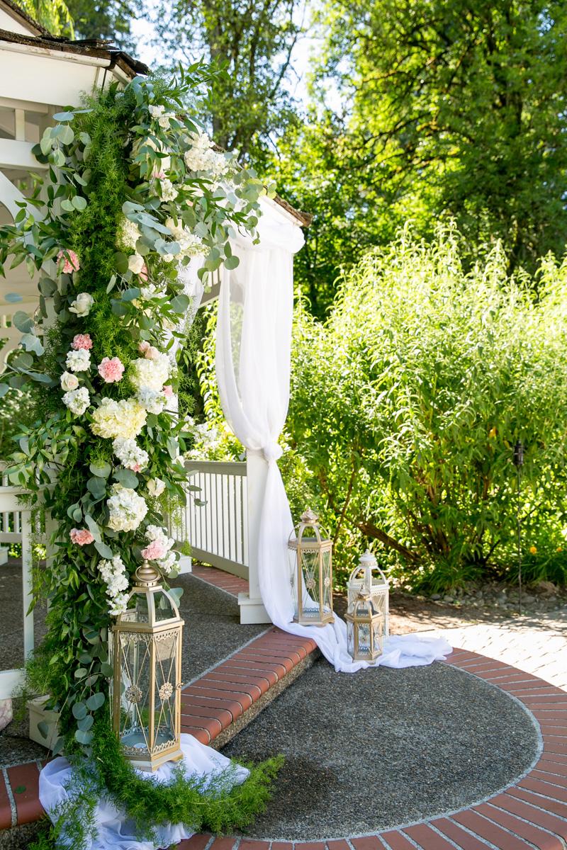 lushfloraldesignpdx.com | Lush Floral Design in Portland Oregon | Abernethy Center | Abigail's Garden Weddings | Powers Studios Photography | Wedding Florist _.jpg