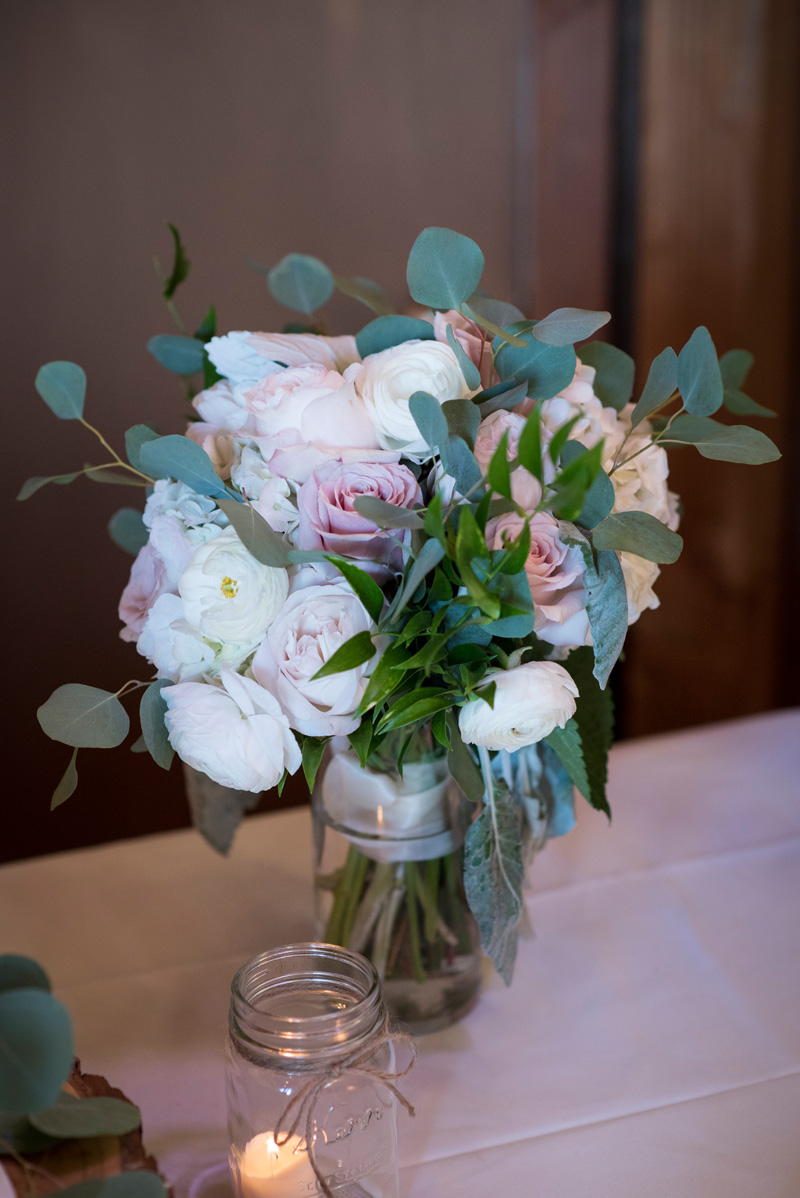 lushfloraldesignpdx.com   Lush Floral Design in Portland Oregon   Postelwaite's Country Farms Weddings   Cordova Studios Photography   Wedding Florist _ (1).jpg