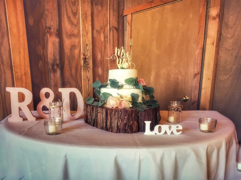 lushfloraldesignpdx.com   Lush Floral Design in Portland Oregon   Postelwaite's Country Farms Weddings   Cordova Studios Photography   Wedding Florist _ (19).jpg