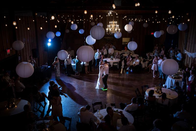 lushfloraldesignpdx.com   Lush Floral Design in Portland Oregon   Postelwaite's Country Farms Weddings   Cordova Studios Photography   Wedding Florist _.jpg