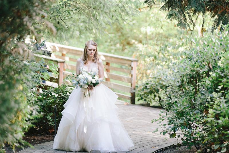 Lushfloraldesignpdx.com/ Abernethy Center- Veiled Garden/ Lush Floral Design Portland Oregon/ Steele Photography/ Fat Cupcake