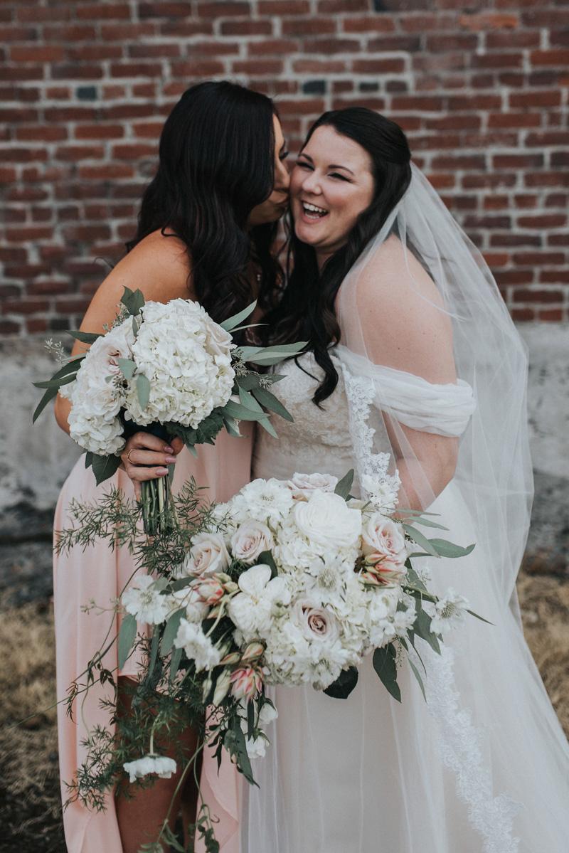 lushfloraldesignpdx.com | Lush Floral Design in Portland Oregon | Wedding Florist | Castaway Weddings | Jonnie and Garrett Photography _ (4).jpg